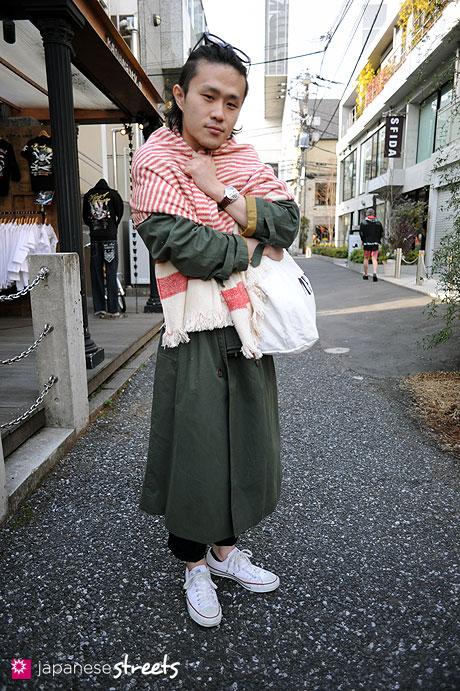 110221-9995: Harajuku, Tokyo, Burberry's, Jill Sander, Converse, 45rpm