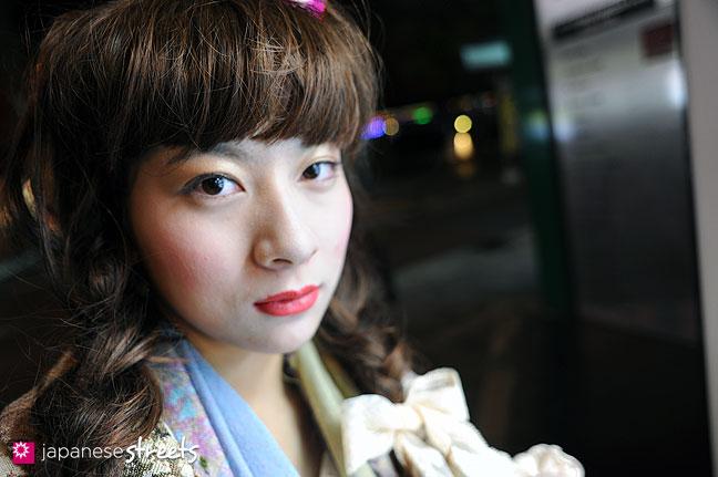 110221-0411: Osaka Street Fashion
