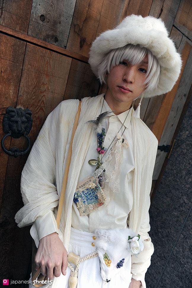 110604-5504: Harajuku Street Fashion
