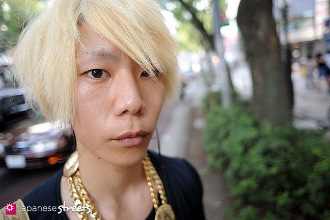 110816-8651: Japanese street fashion in Harajuku, Tokyo