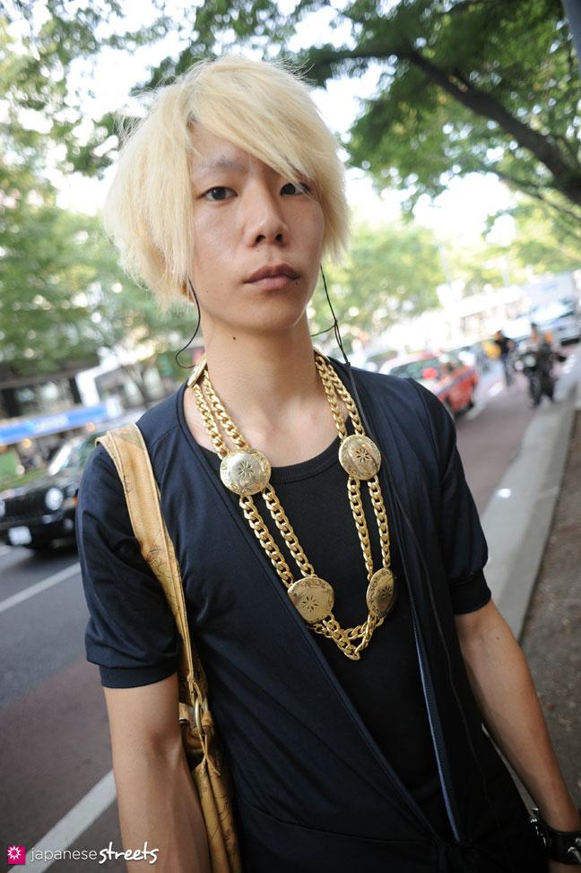 110816-8646: Japanese street fashion in Harajuku, Tokyo