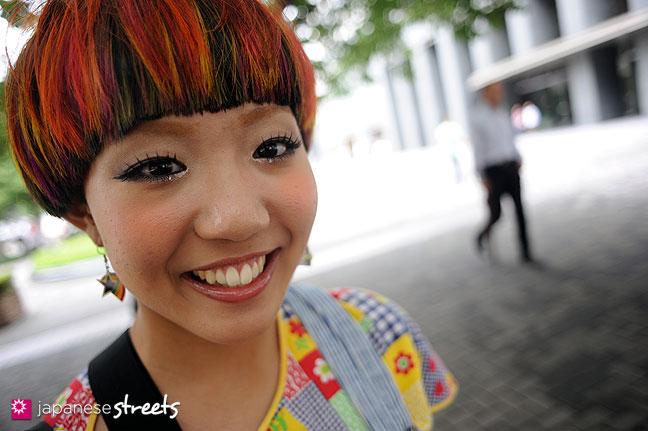 110831-9187: Japanese street fashion in Shinjuku, Tokyo