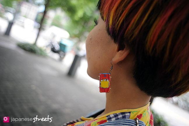 110831-9207: Japanese street fashion in Shinjuku, Tokyo