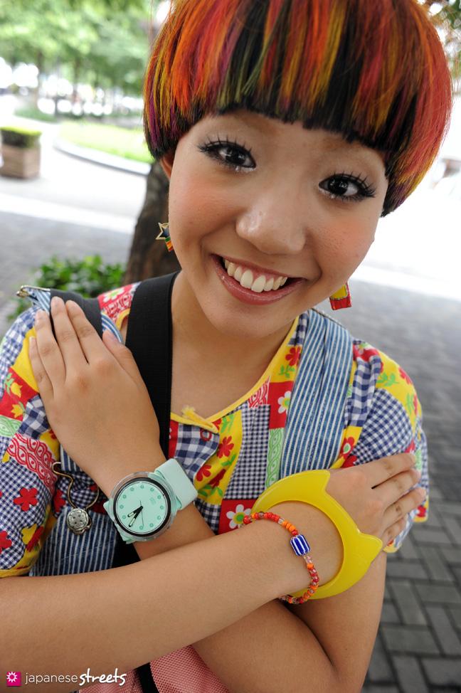 110831-9218: Japanese street fashion in Shinjuku, Tokyo