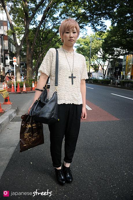 110830-8961: Harajuku, Tokyo, Airy, Gozpita, H&M, ANAP