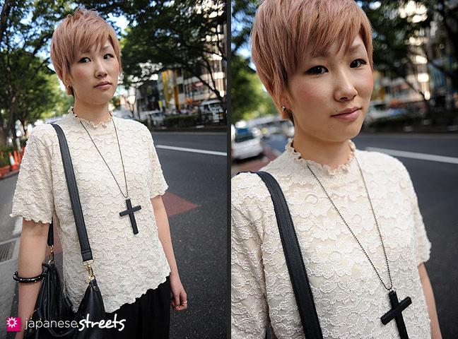 110830-8964-110830-8968: Japanese Street Fashion in Harajuku, Tokyo