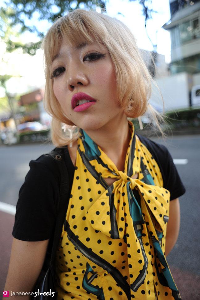 110830-9021: Japanese street fashion in Harajuku, Tokyo