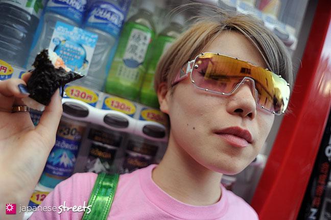 110830-9097: Japanese street fashion in Harajuku, Tokyo