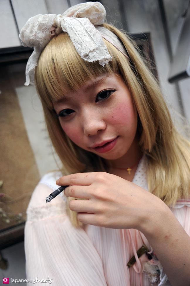 110911-0145: Japanese street fashion in Harajuku, Tokyo