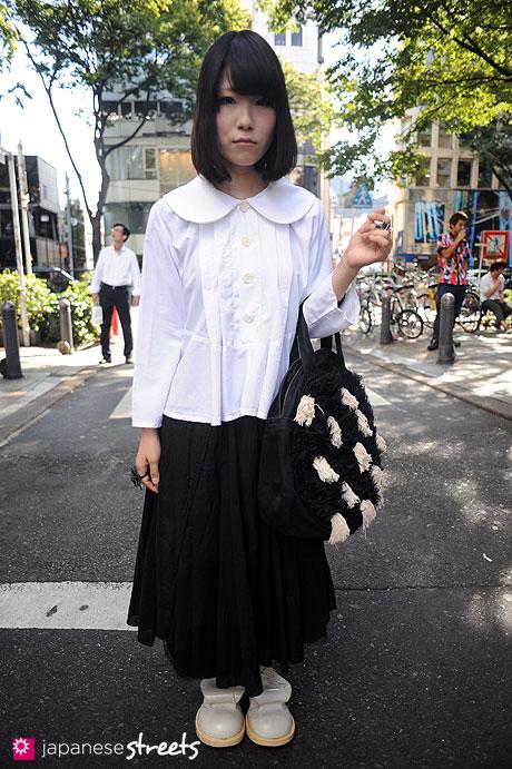 110911-9756: Harajuku, Tokyo, Tricot, TAO, COMME des GARÇONS, Nemeth, TOKYO BOPPER, Vivienne Westwood