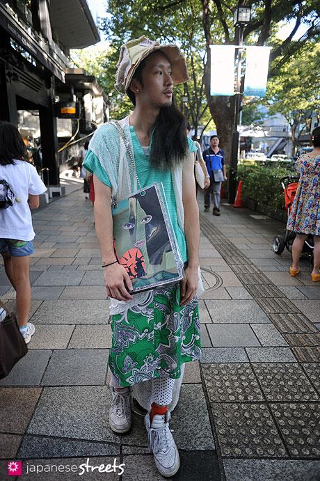 110918-1268:Harajuku, Tokyo, RARARA HAT, NIKE