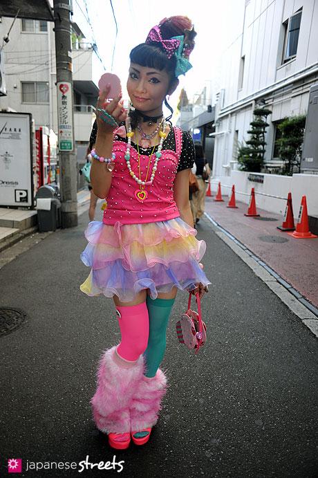 110918-1341:Harajuku, Tokyo, 6%DOKIDOKI