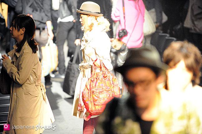 111019-8669: Japan fashion Week in Tokyo