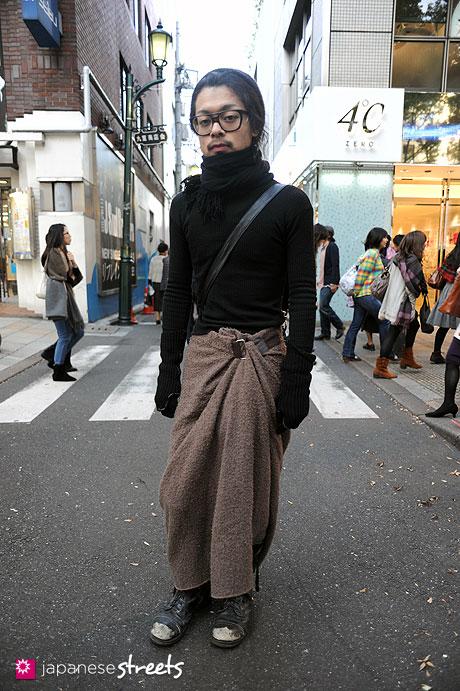 111026-4821:Harajku-Tokyo-MAISON MARTIN MARGIELA-ANGROMANIA-GUCCI-Bloc
