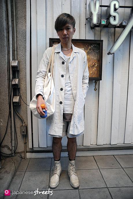 111026-4860:Harajuku-Tokyo-The Viridi-anne-DAMIRDOMA-Maison Martin Margiela-Guidi-Fam