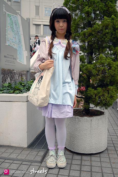 110526-6355-AY:kasumi-shibuya-tokyo-uniqlo-converse-keisuke-kanda-heather-shima