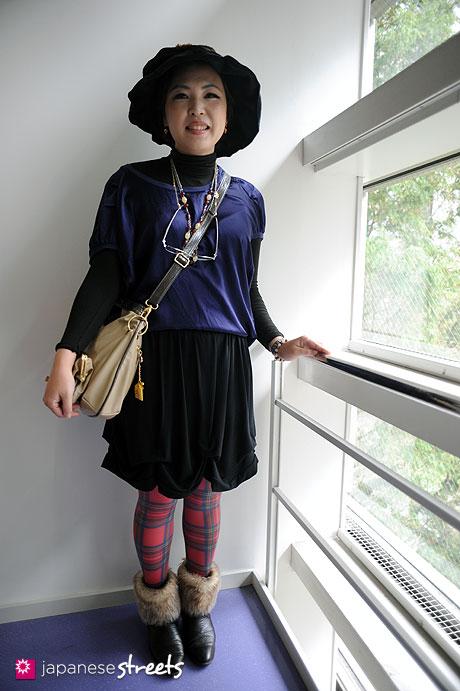 111103-6052: sachiko-Shibuya-Tokyo-Madame Cape-AUTRE TON-NAFNAF-CANDISH-DOREDORE