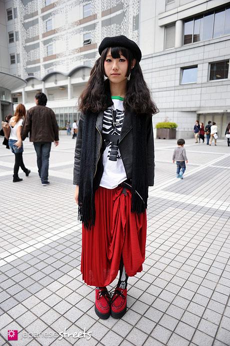 111103-6534: Atsuko-Shibuya-Tokyo-COMODO-Divalo-Sevens-SPINNS-SHIN&COMPANY-3COINS-NADIA