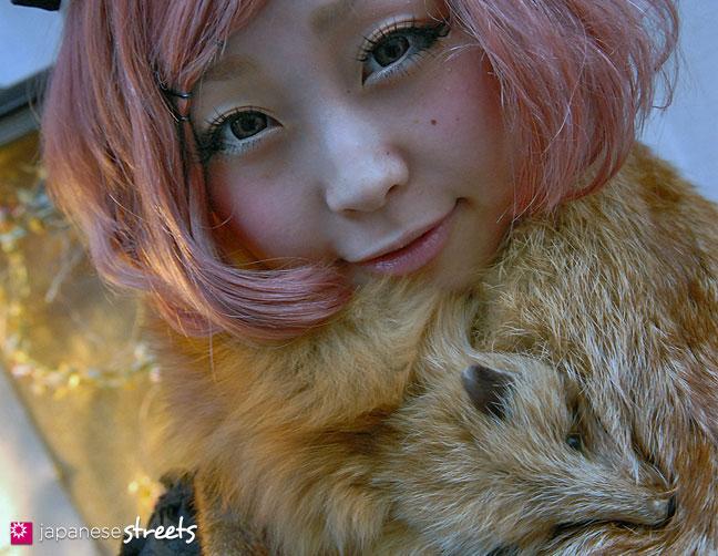 111112-6795-AY: Japanese street fashion in Harajuku, Tokyo