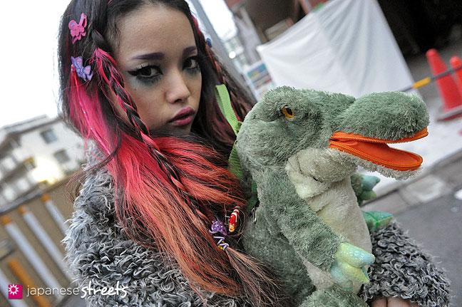 111127-1340: Japanese street fashion in Harajuku, Tokyo
