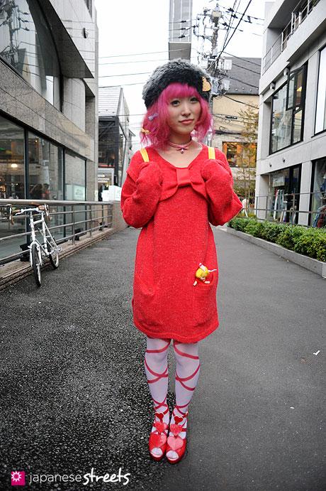 111112-8298: Street fashion in Harajuku, Tokyo: Number406, 6%DOKIDOKI, Spins, Milk