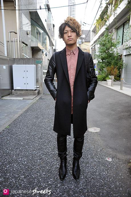 111123-0010: Japanese street fashion in Harajuku, Tokyo: Maigrie, ZARA, Lad Musician, Horace, Banal Chic Bizarre