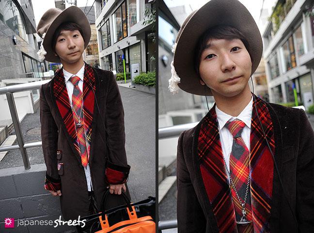 111123-0077-111123-0078: Japanese street fashion in Harajuku, Tokyo