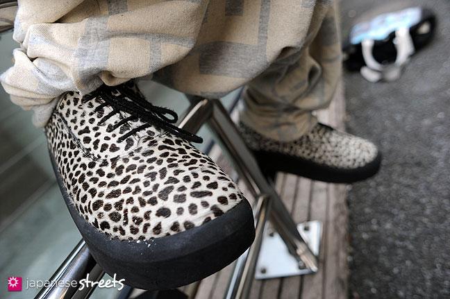 111123-0175: Japanese street fashion in Harajuku, Tokyo