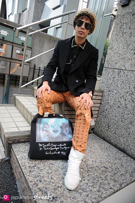 111123-0184: Japanese street fashion in Harajuku, Tokyo: SHIMA Harajuku, +J, MCM×Phenomenon, Kris Van Assche, nananana, Valentino Romani
