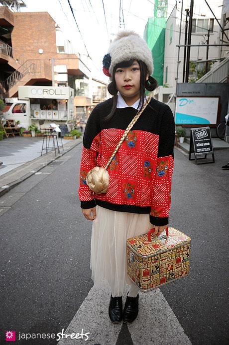 111127-0362: Japanese street fashion in Harajuku, Tokyo (brisa, LOWRYS FARM, Bunkaya Zakkaten)