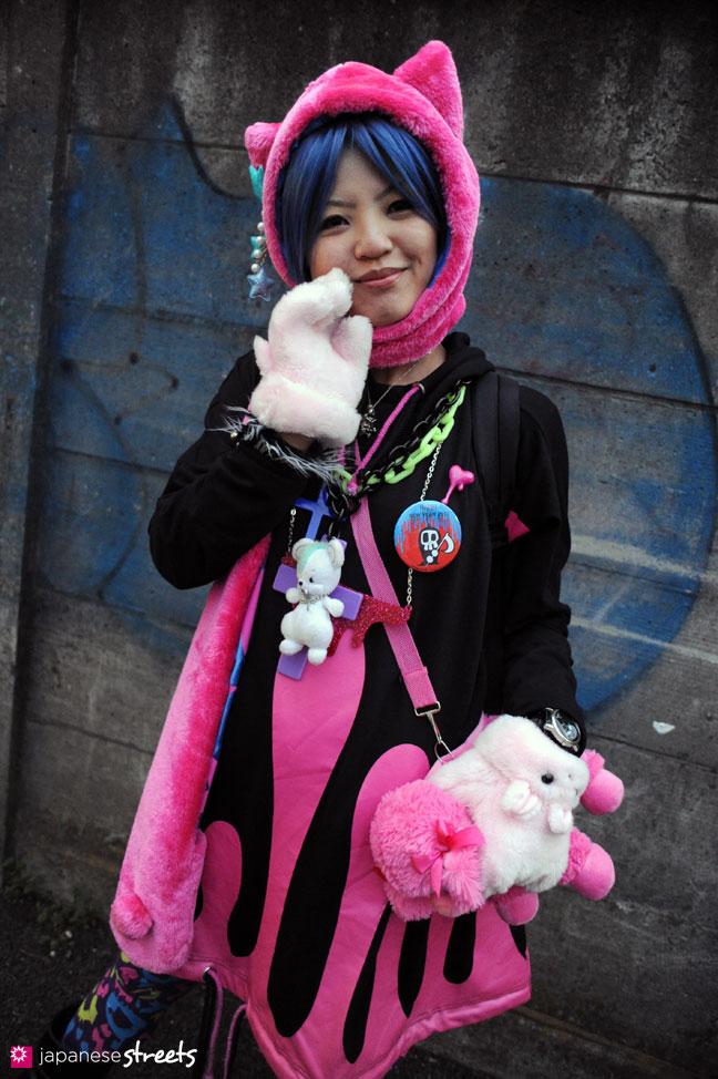 120101-2186: Japanese street fashion in Harajuku, Tokyo