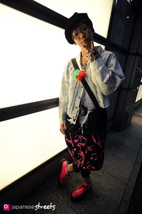 120101-2217: Japanese street fashion in Harajuku, Tokyo