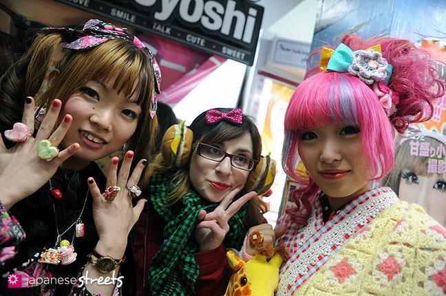 120107-2271: Japanese street fashion in Harajuku, Tokyo