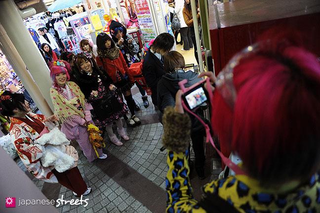 120107-2280: Japanese street fashion in Harajuku, Tokyo