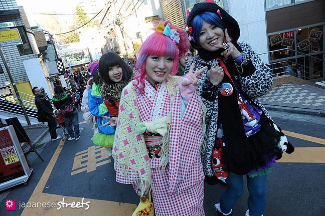 120107-2295: Japanese street fashion in Harajuku, Tokyo