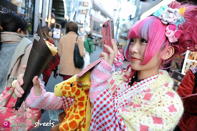 120107-2381: Japanese street fashion in Harajuku, Tokyo