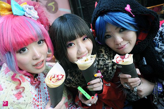 120107-2395: Japanese street fashion in Harajuku, Tokyo