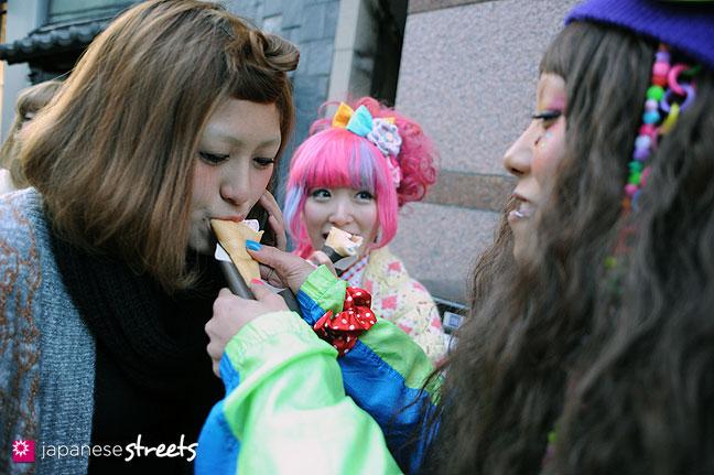 120107-2457: Japanese street fashion in Harajuku, Tokyo