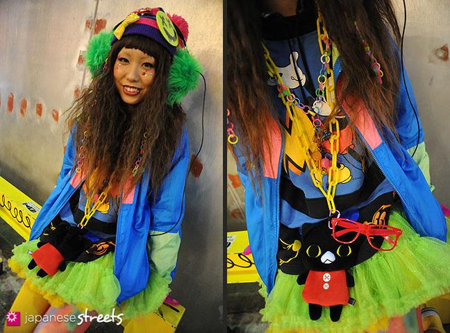 120107-2484-120107-2493: Japanese street fashion in Harajuku, Tokyo