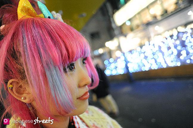 120107-2520: Japanese street fashion in Harajuku, Tokyo