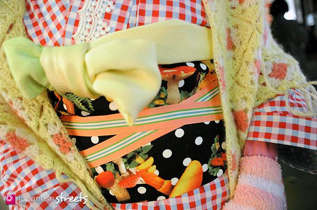 120107-2523: Japanese street fashion in Harajuku, Tokyo