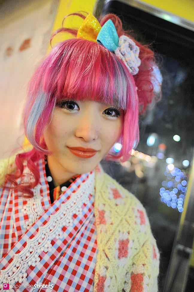 120107-2517: Japanese street fashion in Harajuku, Tokyo