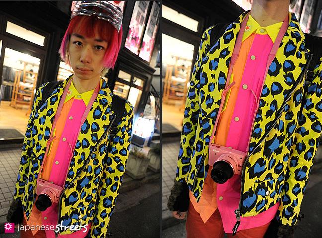120107-2545-120107-2550: Japanese street fashion in Harajuku, Tokyo