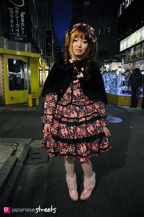 120107-2567: Japanese street fashion in Harajuku, Tokyo