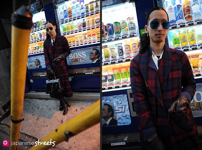 120118-2842-120118-2845: Japanese street fashion in Harajuku, Tokyo