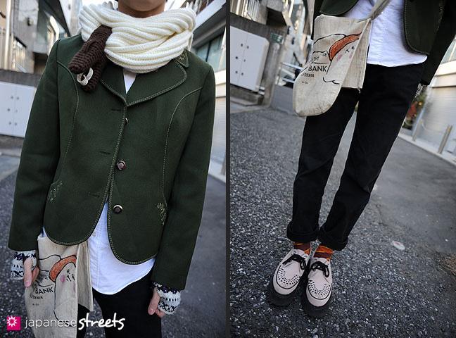 120204-5351-120204-5355: Japanese street fashion in Harajuku, Tokyo