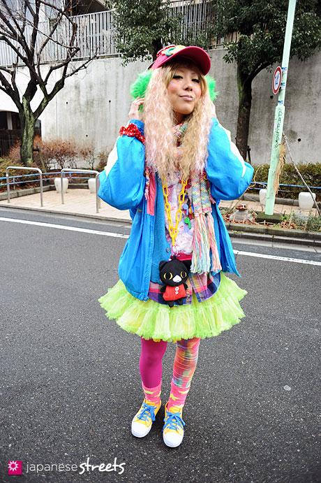 120122-3023: Japanese street fashion in Harajuku, Tokyo