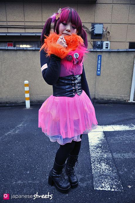 120122-3399: Japanese street fashion in Harajuku, Tokyo