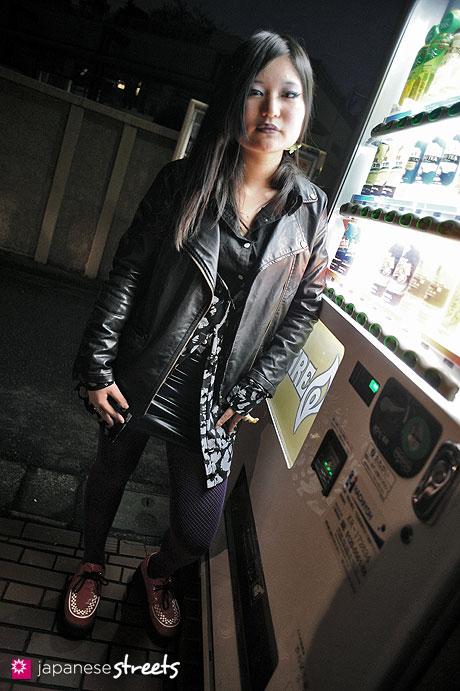 120122-3577: Japanese street fashion in Harajuku, Tokyo