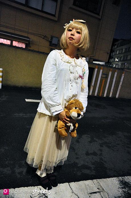 120122-3627: Japanese street fashion in Harajuku, Tokyo